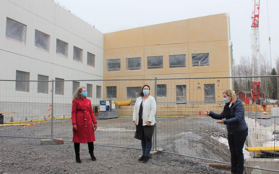 Siuntio rakentaa koulukeskuksen aivan juna-aseman viereen – Uusi kampus tarjoaa vapaa-ajan toimintoja kaikenikäisille