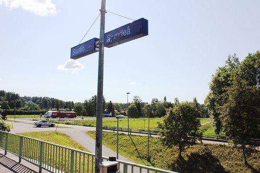 Siuntion aseman ja kuntakeskuksen välisellä alue on tällä hetkellä lähinnä nurmikenttää.